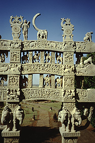 Gateway to the great Stupa in Sanchi