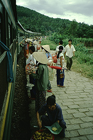 Sellers at the train from Hué to Danang